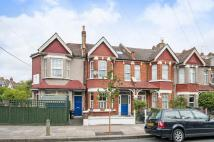 Flat in Revelstoke Road, SW18