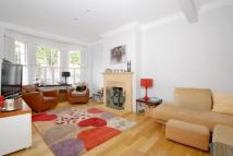 3 bedroom Terraced house in Revelstoke Road, SW18