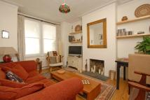 Flat to rent in Trentham Street, SW18