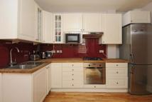 2 bed Flat in Trentham Street, SW18