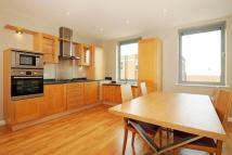 Flat to rent in Burr Road, SW18