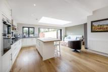 4 bed semi detached home to rent in Viewfield Road, SW18