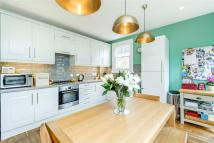 4 bed Flat in Swaby Road, SW18