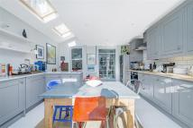 4 bed Terraced house in Balvernie Grove, SW18