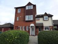 Flat to rent in Picton Close...