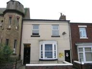 Flat to rent in Greenway Road, Runcorn