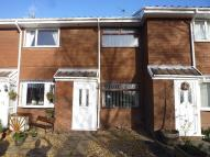 2 bedroom Mews to rent in Heather Close, Beechwood...