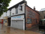 property to rent in 24 Bank Street,