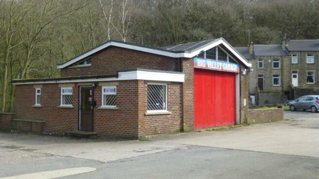 Garage to rent in big valley garage meltham road for Big garage for rent