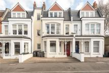 5 bed Terraced home for sale in Kings Avenue, London, N10