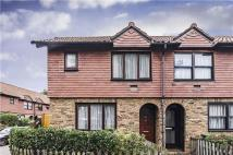 house to rent in Toyne Way, Highgate...