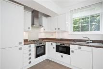 2 bed Flat to rent in Cromwell Road...