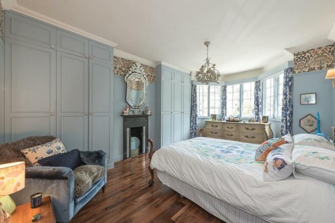 Mastr bedroom