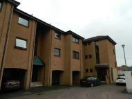 2 bedroom Ground Flat to rent in Gilbertfield Place...