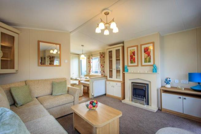 2014-Lyndhurst-38-x12-x-2-bed-Lounge.jpg