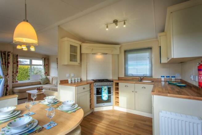 2014-Lyndhurst-38-x12-x-2-bed-Kitchen.jpg