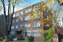 Flat to rent in Walpole Court...
