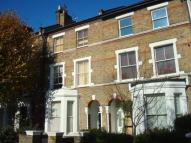 Flat to rent in Iverson Road...