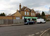 3 bedroom Flat to rent in The Street, Sittingbourne
