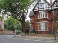 Flat to rent in Forest Road, Nottingham...