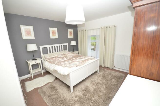 Cottage 2 Master Bed