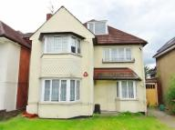 2 bed Flat in Bridge Lane Temple...