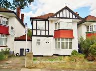 3 bedroom semi detached home in Cheyne Walk Hendon