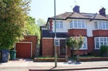 3 bedroom semi detached house in Kings Close Hendon