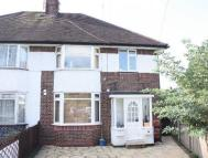 Flat to rent in Selborne Gardens Hendon
