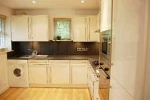 3 bed Maisonette to rent in Erskine Hill Hampstead...