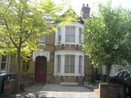 Town House to rent in Thorncliffe Road...