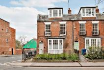 Walton Street Town House to rent