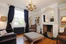 Town House to rent in Winchester Road...