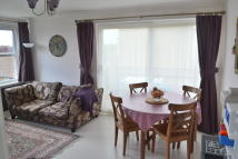 2 bedroom Apartment in Park Close, Oxford