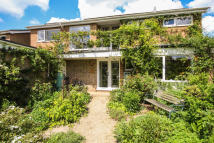 Detached property in Paddox Close, Oxford