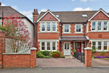 4 bed semi detached property in Bainton Road, Oxford