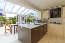 4 bedroom Detached house to rent in Fogwell Road, Botley