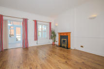 4 bedroom Terraced home to rent in Plater Drive...