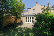 Thorncliffe Road Town House to rent