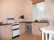 Ground Flat to rent in Paisley Road West