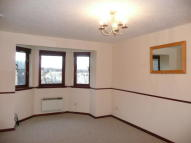 Flat to rent in Clydeview Court, Bowling