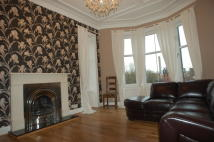 2 bedroom Flat in Clarence Drive, Glasgow