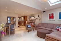 4 bed Terraced house in Meadowbank, London, NW3