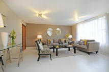 3 bedroom Flat in St. Johns Wood Park...