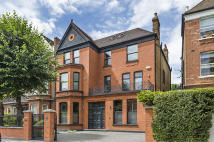8 bed semi detached home in CANFIELD GARDENS, London...