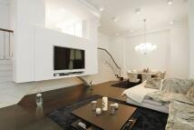 3 bedroom Flat in ST. JOHNS WOOD ROAD...