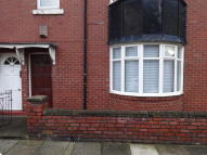 Ground Flat in Addycombe Terrace, Heaton