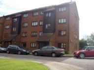 2 bed Apartment in Wicket Road, Perivale