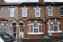 5 bedroom Terraced house to rent in Chesham Terrace, Ealing