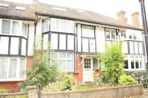 5 bedroom semi detached house in Princes Avenue, Acton